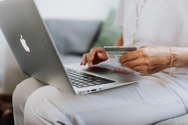 Virtual PrimeTime Strategies for Selling to Women
