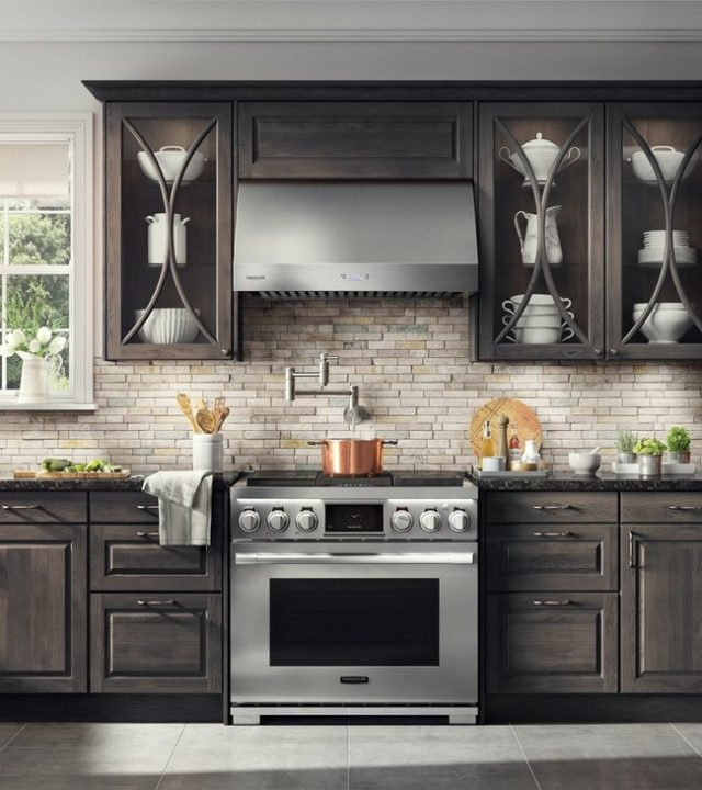 Signature Kitchen Suite's 36-in Duel-Fuel Pro Range with Sous Vide and Induction cooktop
