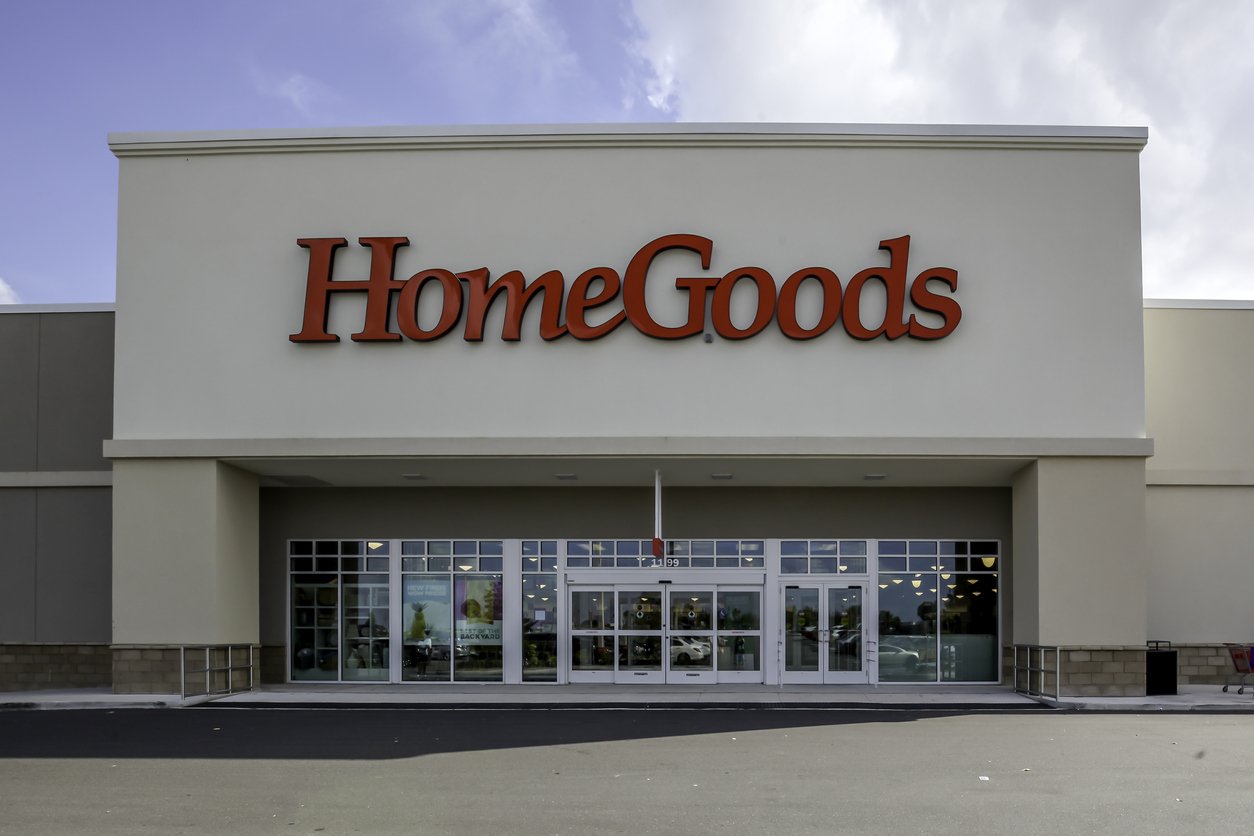 A picture of the front of a HomeGoods store